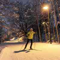 Cross-country skiing at night on well lit trails in Saalfelden Leogang © Saalfelden Leogang Touristik GmbH